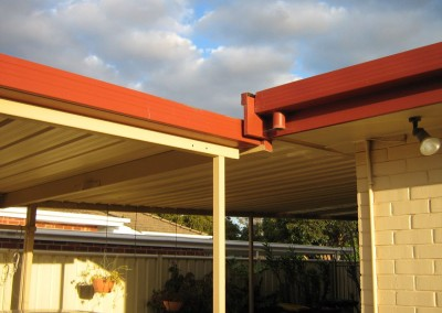 Skillion roof verandah in Classic Cream with Terracotta Hallett Cove Beach